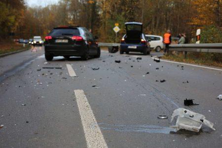 Unfall aufgrund eines Überholmanövers.