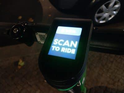 Elektroroller in Berlin via App ausleihen